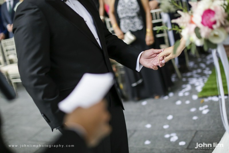 N&M-280-960x640_johnlimphotography_wedding_actual_day_singapore_capella