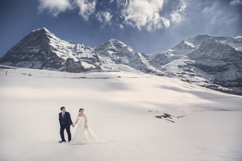 top professional award-winning wedding and portraiture portrait photography singapore, Switzerland Interlaken, destination wedding, epic landscape with drone footage