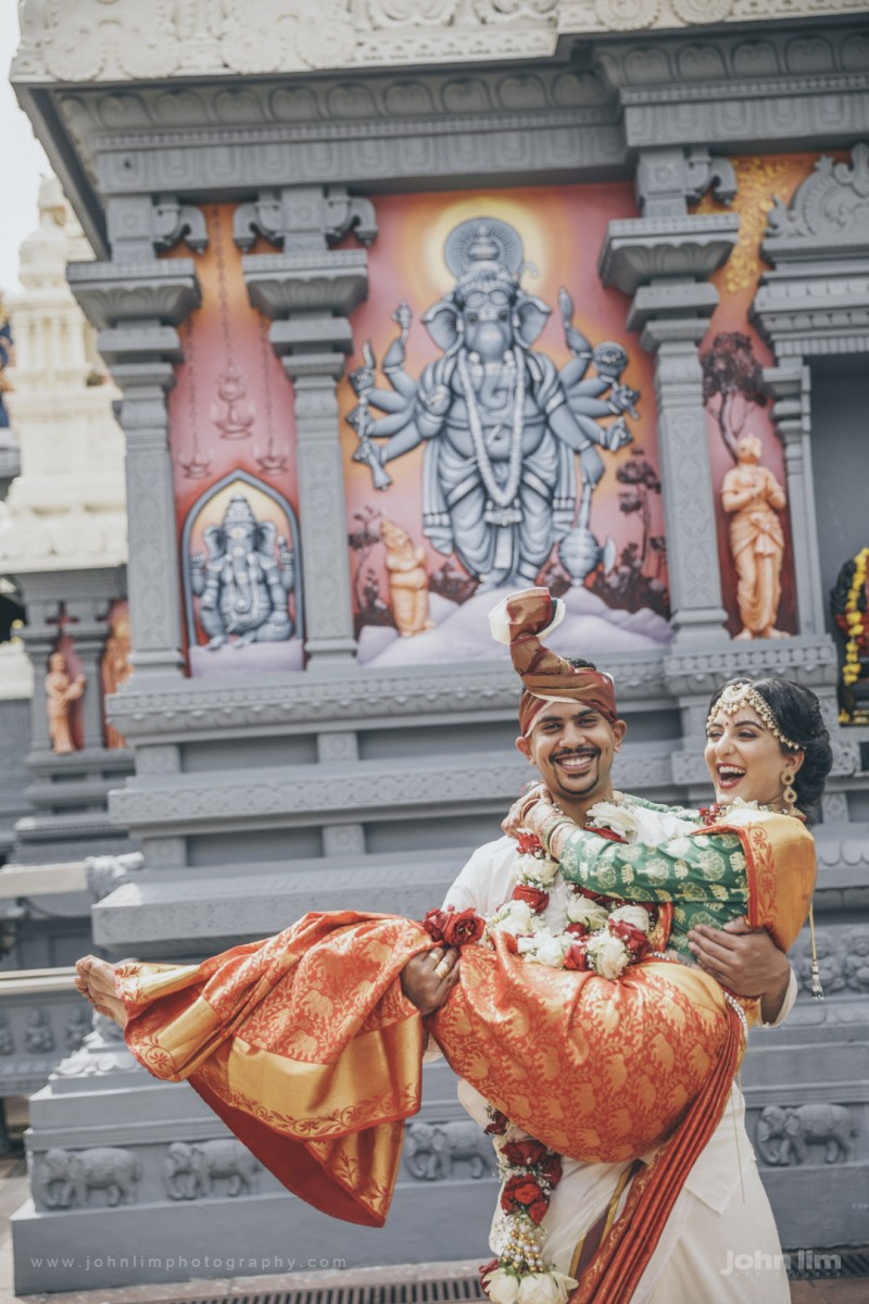 Spirited & Richly Detailed Indian Wedding Ceremony of Pravin & Prithi at Sri Senpaga Vinayagar Temple