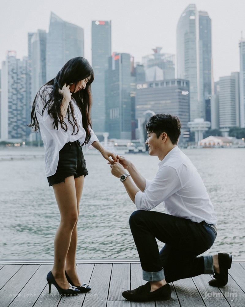 Korean Couple Surprise Proposal in Singapore, proposal engagement wedding photography Singapore MBS Marina Bay Sands